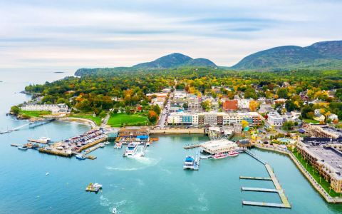 0 1 - Bar Harbor successfully converts streetlights to LED